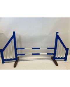 Hindernisblau (offen) mit zwei Sprungstangen und 4 Aufhängungshalterungen